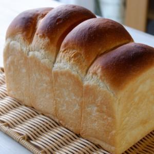 今日は『食パン』作りにチャレンジ♪