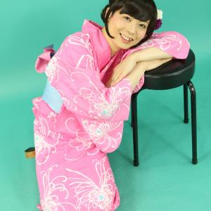 明るいピンク色の浴衣(その2)