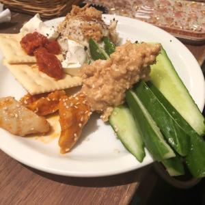 常連さんが集まる楽しい肉酒場。 くろまる 日本橋