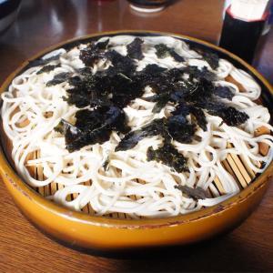 蕎麦屋さんで昼から日本酒を飲むという粋なことをしてみた。 つるや 東京浅草