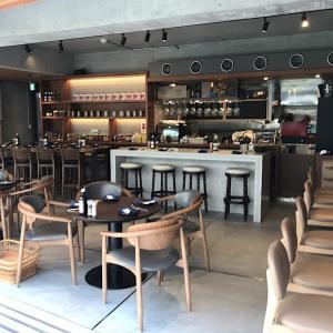 マンションリノベの参考になる、コンクリート打ちっ放しのカフェ、HAGARE(ハガレ)西荻窪