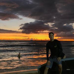 "CNBLUEジョン・ヨンファ、南の国で自由を満喫…""surfing 毎日 surfing 自由"""