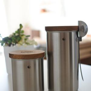 GLOCAL STANDARD PRODUCTSのキャニスタースタック & eNproductのコーヒーフィルターホルダー。