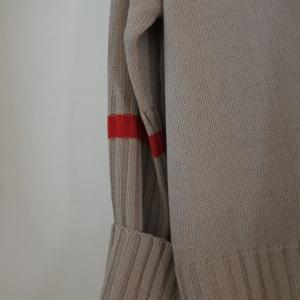 冬の装い~カジュアルニットとカシミヤストール。