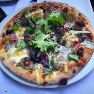 LE TEMPS DES TRUFFES トリュフのピザ