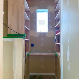 2階の廊下に作ったミニ書斎