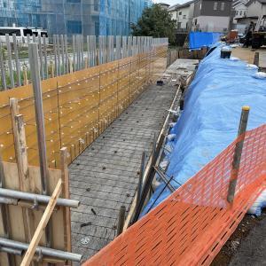 東村山市秋津町4丁目9棟現場、擁壁工事進んでいます。