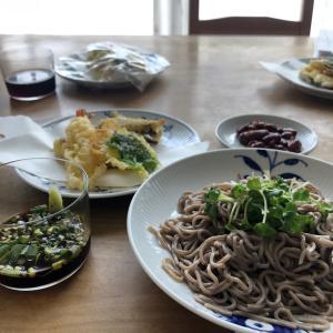 天ぷらそばの昼食