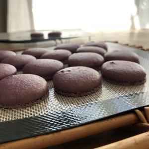 紫のマカロン