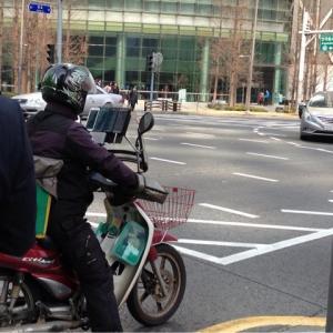 バイクにスマホ4台@韓国
