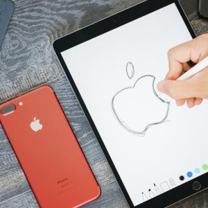 iPhone 11リンゴループが直らない・電源切れない・充電出来ないときの原因と対処方法【良くある質問】