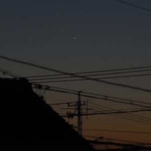 夕方の月と水星