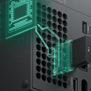 MS、Xbox Series X|Sの拡張ストレージカードが高価な理由を説明。
