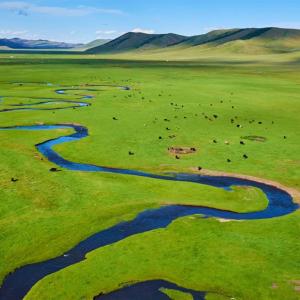 世界の川に焦点を当てた「River Roll On PREMIUM」Windows10テーマ配信中。