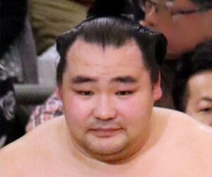 鶴竜の相撲人生4