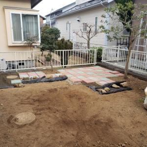 庭を・・・