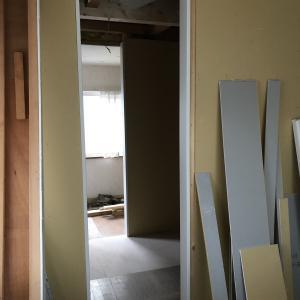 下がり壁とドアを取っ払い開放感のあるシニア夫婦のリフォーム