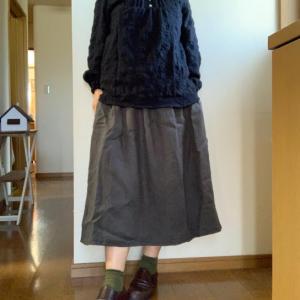 着てみたよ!黒のワシャワシャコットンヒロインブラウス。