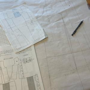 文化通信服装コース〜ワンピース実物大製図のシャーペン