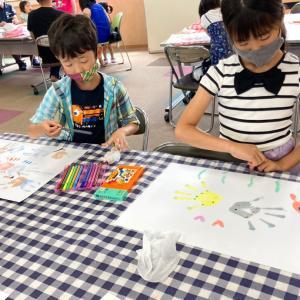 何でもチャレンジ教室 親子で手形アートを楽しみました!