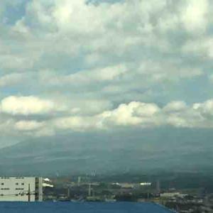 今日の富士山は雲に覆われていました