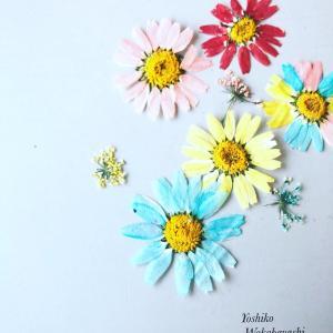 フラワーレジンクチュール お花の色付けがめっちゃ簡単になります