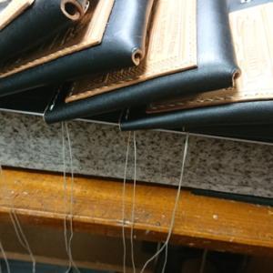 間に合わせる!ウレタントップの密着性  ゆっくりに見える程に早い手縫い 糸を聞く?