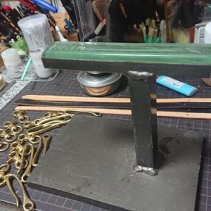 レザークラフト 新商品と縁の下の力持ち的な道具 真鍮のアレコレ