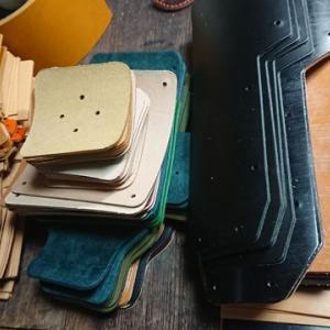 ちょっと毒舌 カードポケットの作り方 レザークラフト 弾丸京都 切り出し