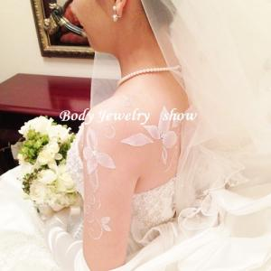 真っ白なウエディングドレス