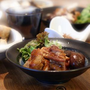 鶏肉と栗の煮物と豚の生姜焼き