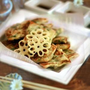ニラ餃子、山椒辣油炒めと梅が枝餅