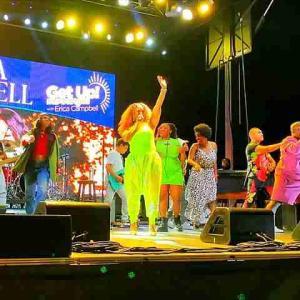 セントラルパーク NYサマーステージ 2021 コンテンポラリーゴスペルコンサートで大盛り上がり Erica Campbell & The Walls Group