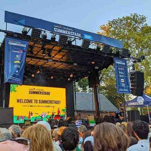 パティスミス Patti Smith ニューヨーク セントラルパークでコンサート!詩人なパンクロックの女王 サマーステージに登場