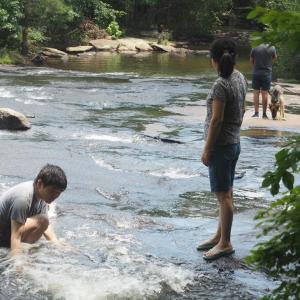 命がけの水遊び