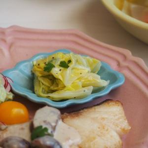 白身魚とポトフとピンクのお皿で