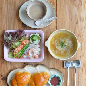 コッペパン皿とオニオンスープ