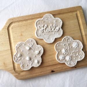 お花とレースモチーフのクッキー、と…☆