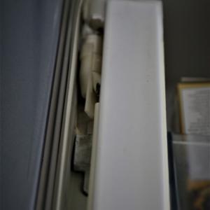 冷蔵庫のフレンチドア部品が劣化