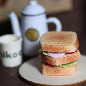 樹脂粘土でつくるミニチュアフード サンドイッチ