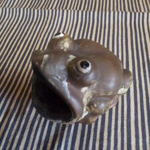 陶器の カエル