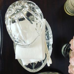 卵形アンティークガラスの容れ物