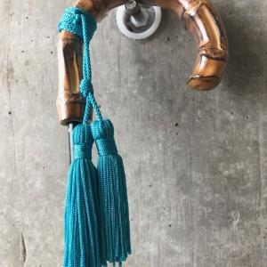 ターコイズ・ブルーの雨傘