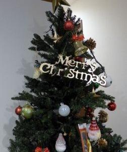 ☆クリスマスツリーの飾りつけ