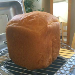 ケーキとパンはキッチリと