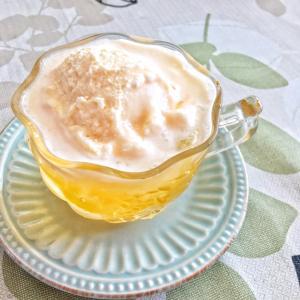 おうちでおやつ*カフェ気分のクリームソーダと真っ黒スイーツ