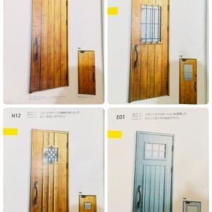 玄関ドアと窓(+オーニング)