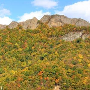 北海道の紅葉 第7弾 「八剣山 (ハッケンザン)」です ♪