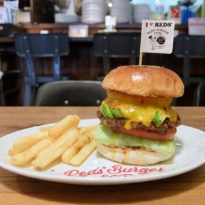 スイートチリパインチーズバーガー+アボ/RED'S Burger STORE(四日市市)