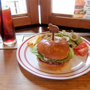 ランチバーガー野菜抜き+アボカド/MEIHOKU Burger(伏見)